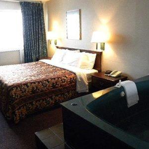 -Magnuson-Hotel-Lansing-Room-1
